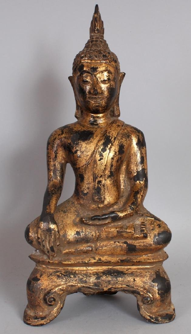 A GOOD 18TH/19TH CENTURY THAI GILT BRONZE FIGURE OF