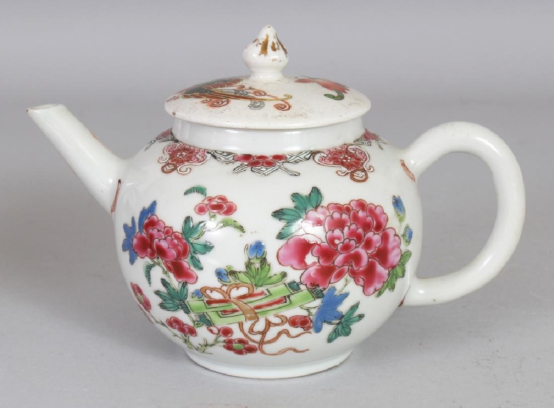 AN 18TH CENTURY CHINESE FAMILLE ROSE PORCELAIN TEAPOT,