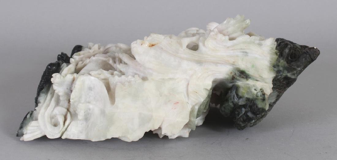 A 20TH CENTURY CHINESE JADE LIKE HARDSTONE CARVING OF - 4