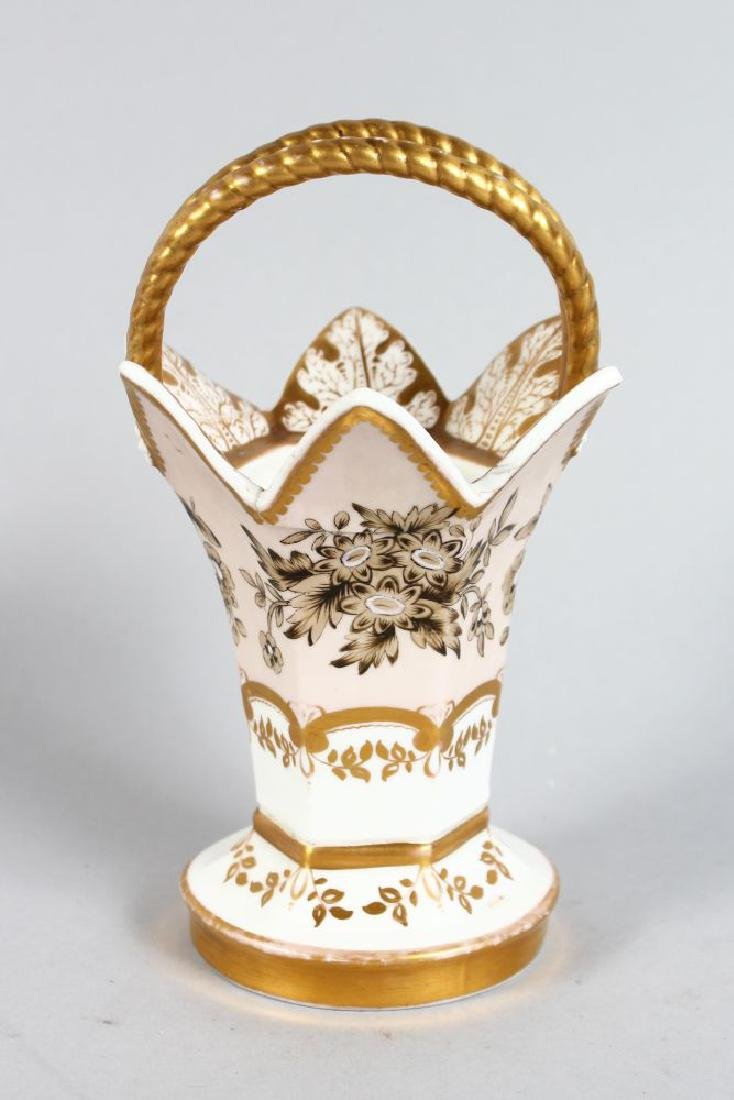 A 19TH CENTURY SPODE FELSPAR PORCELAIN POSY BASKET,