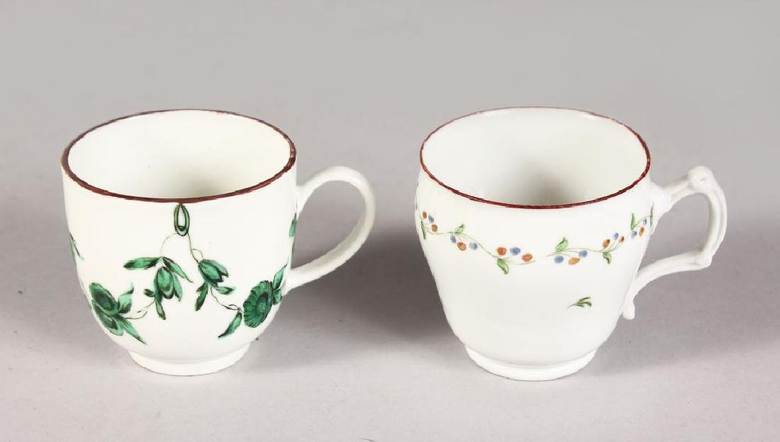 AN 18TH CENTURY BRISTOL COFFEE CUP with rare handle