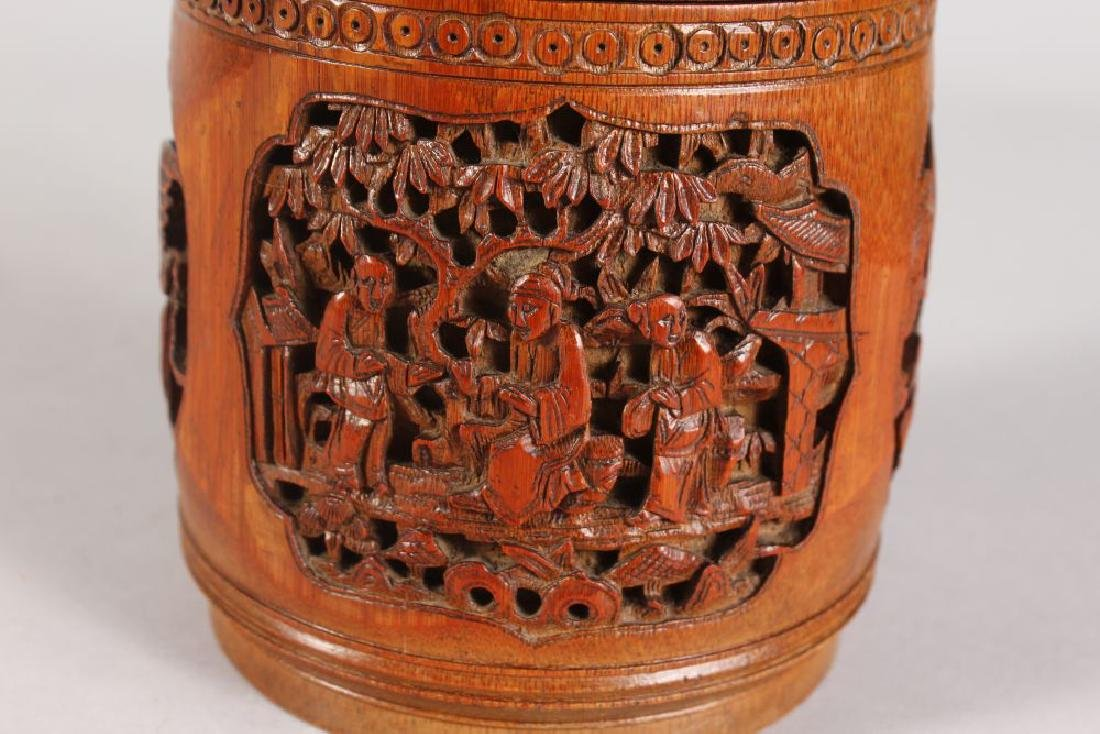 A CHINESE CARVED CIRCULAR BAMBOO BOX AND COVER, carved - 4