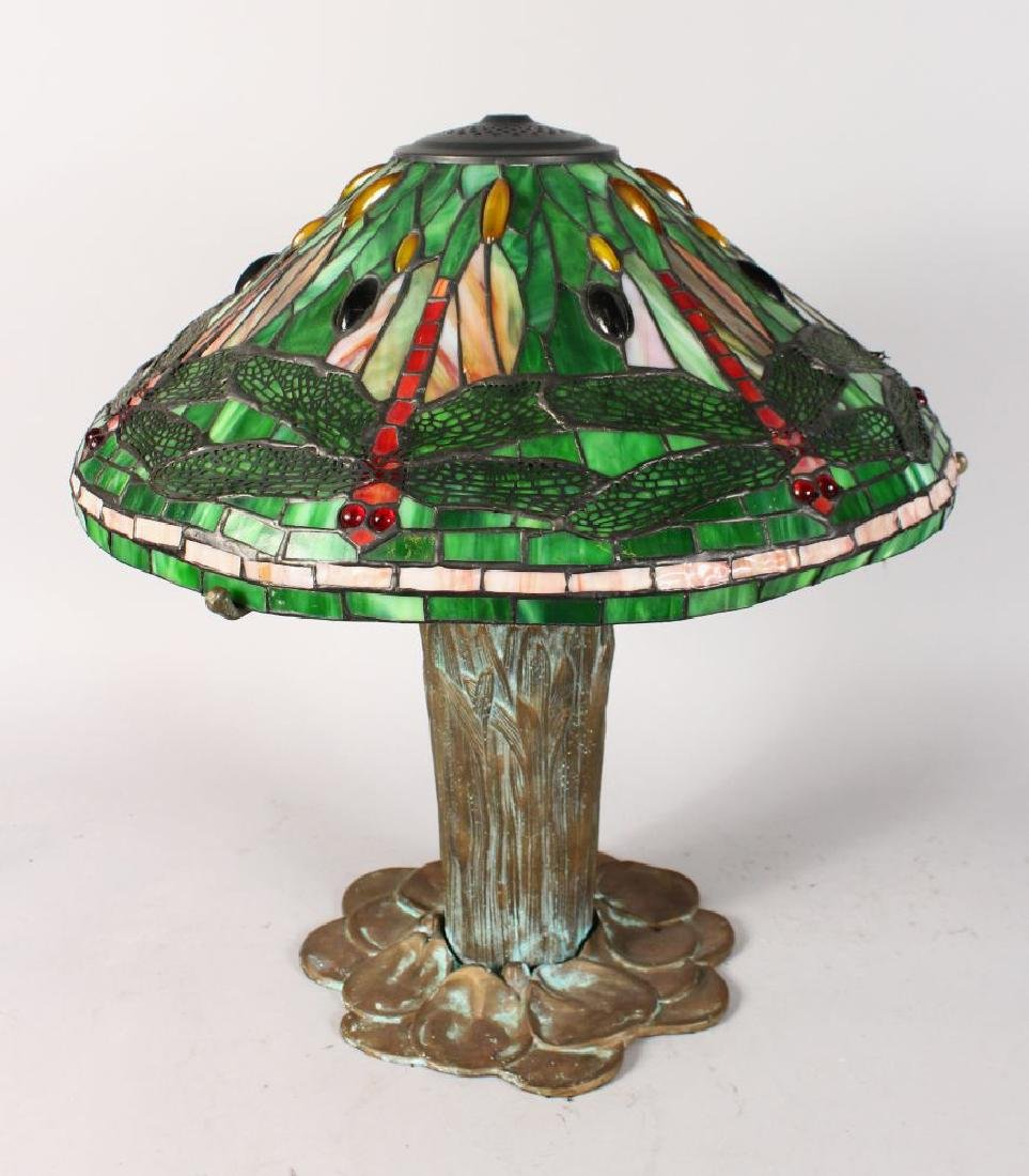 A GOOD BRONZE TIFFANY DESIGN DRAGONFLY TABLE LAMP.