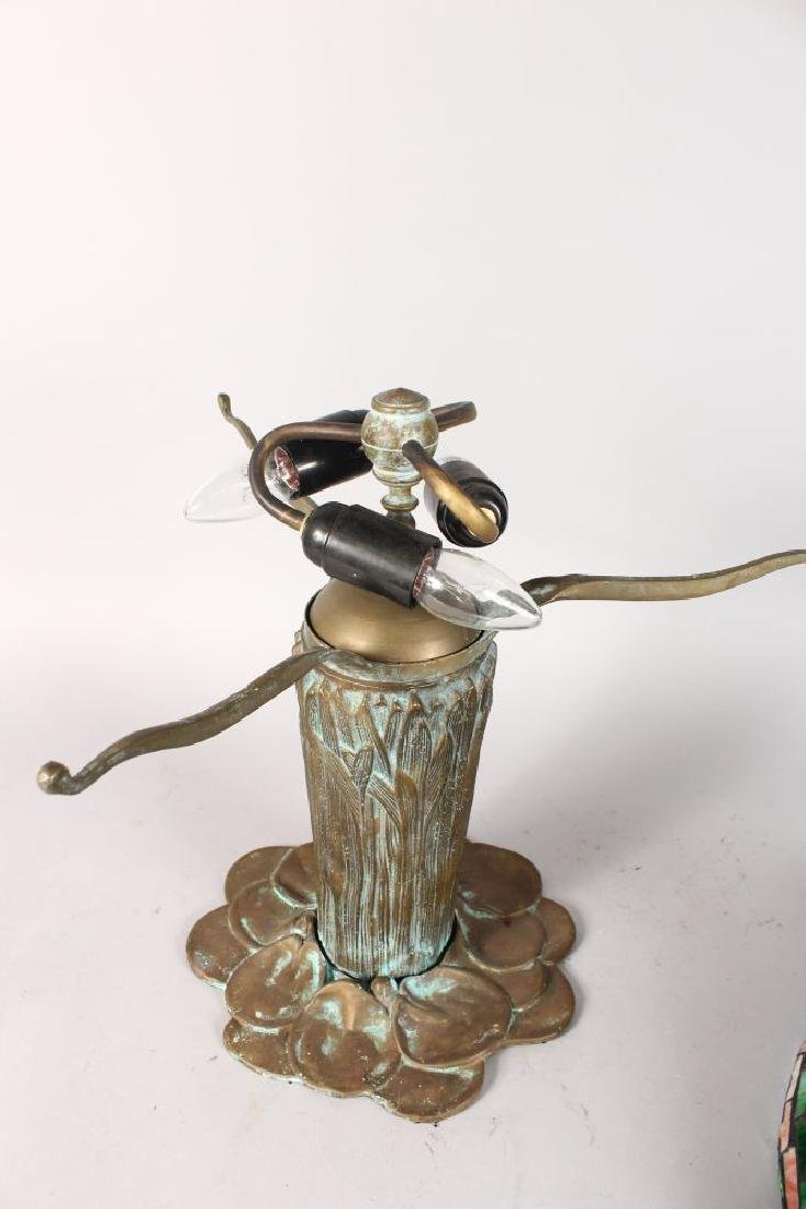A GOOD BRONZE TIFFANY DESIGN DRAGONFLY TABLE LAMP. - 4