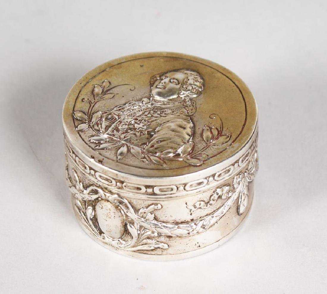 A SMALL CIRCULAR BOX AND COVER, the top with Louis XVI