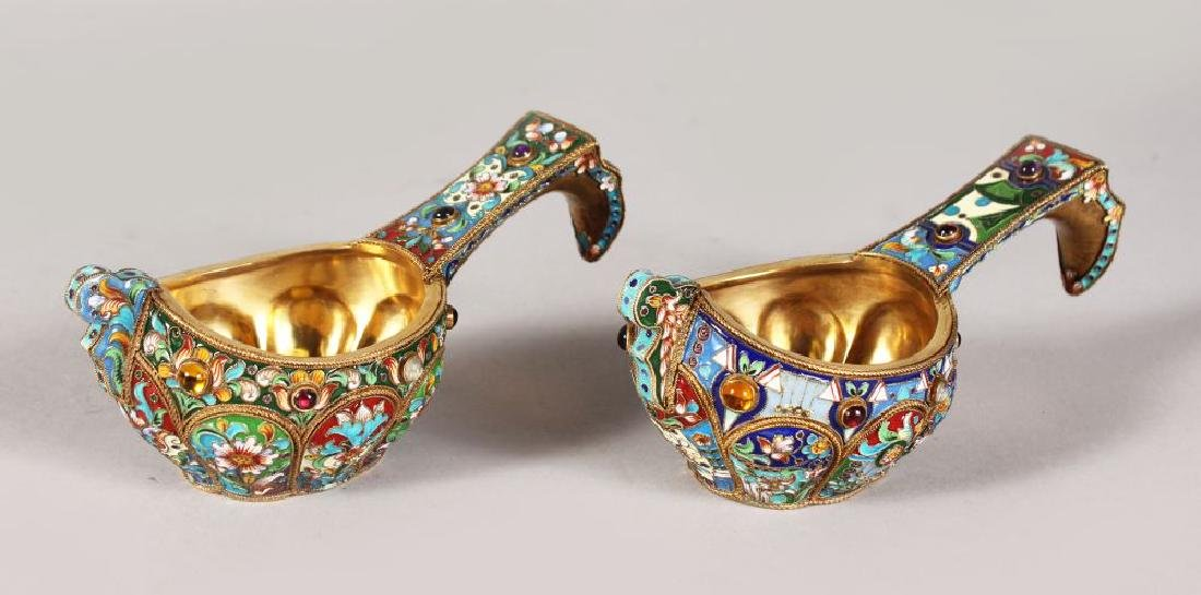 A VERY GOOD PAIR OF RUSSIAN SILVER AND ENAMEL KOVSH,