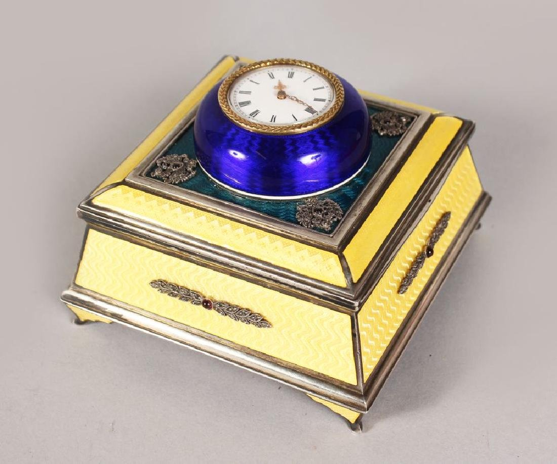 A SUPERB RUSSIAN FABERGE STYLE SQUARE YELLOW AND BLUE