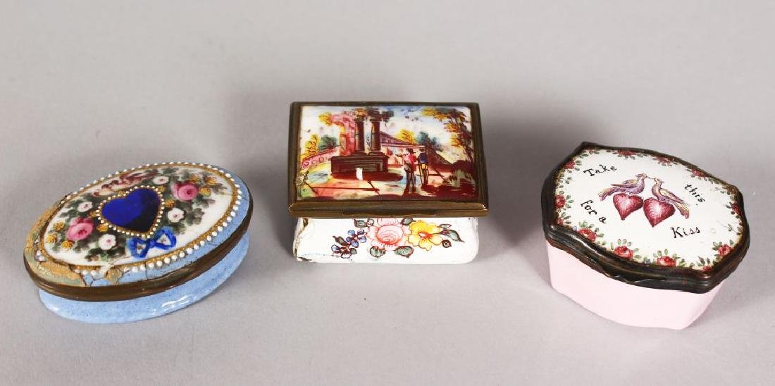 THREE VARIOUS BILSTON ENAMEL SNUFF BOXES.