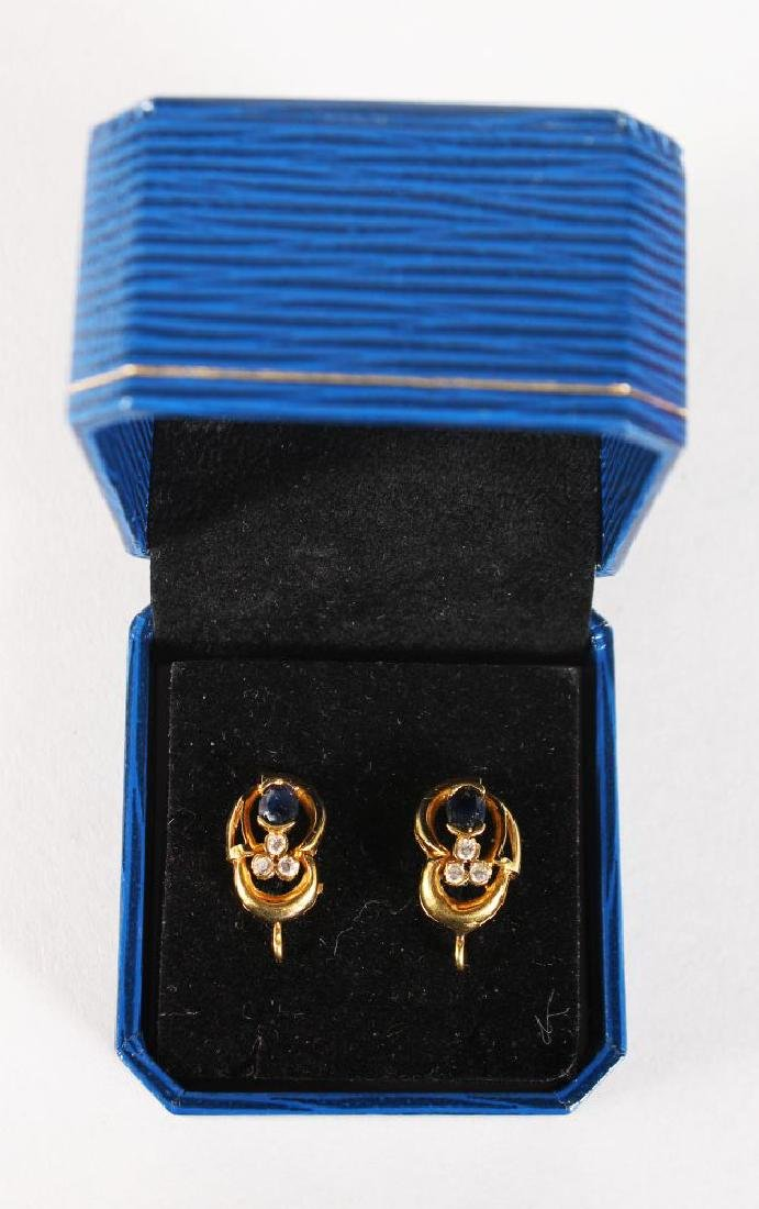 A PAIR OF 18CT YELLOW GOLD, SAPPHIRE AND DIAMOND