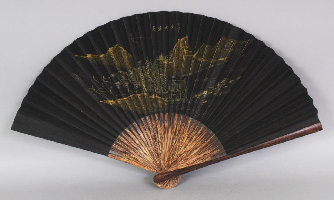 A 20TH CENTURY CHINESE BLACK GROUND GILT DECORATED - 2