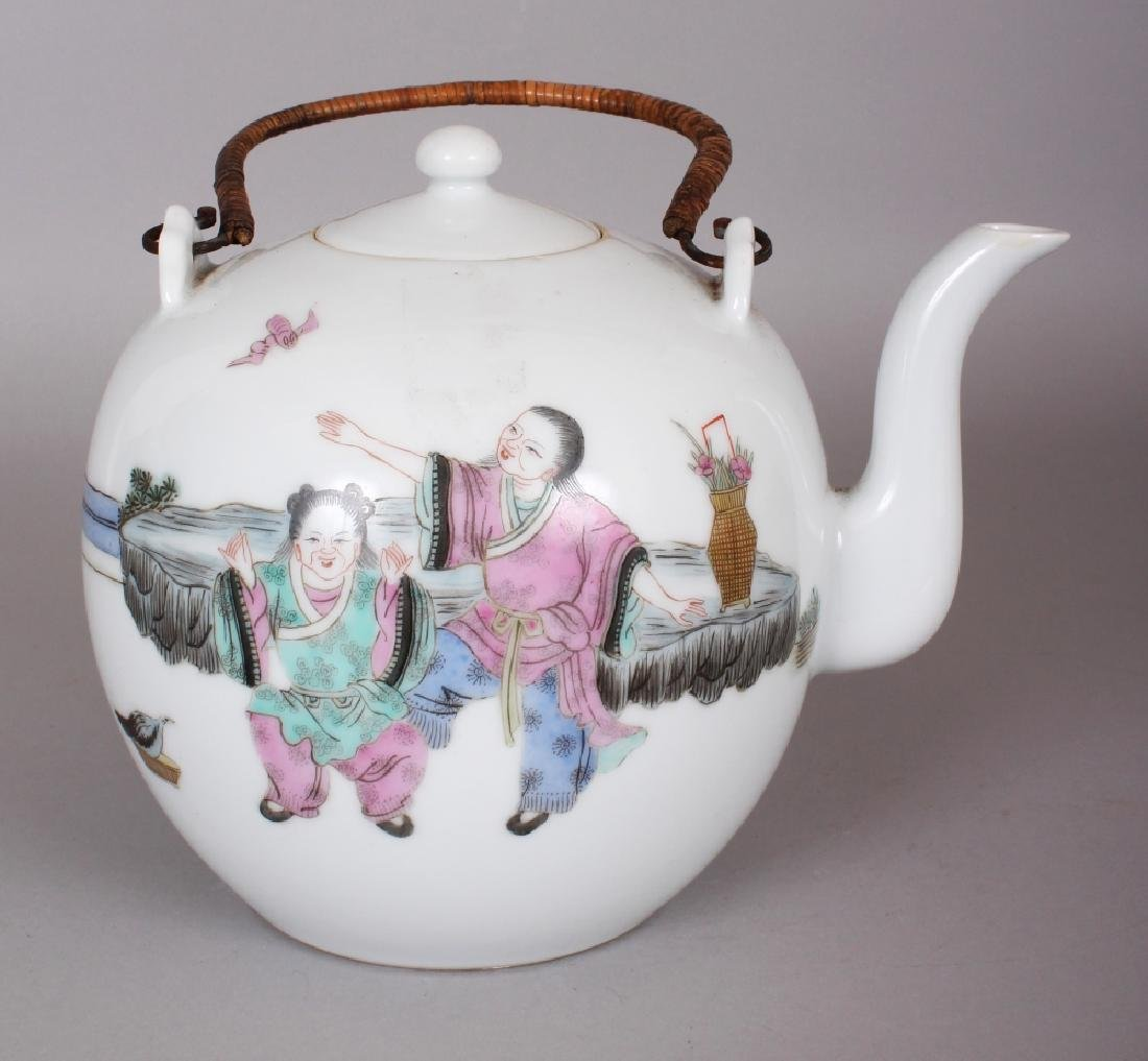A LARGE EARLY 20TH CENTURY CHINESE FAMILLE ROSE - 3