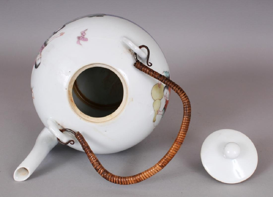 A LARGE EARLY 20TH CENTURY CHINESE FAMILLE ROSE - 6