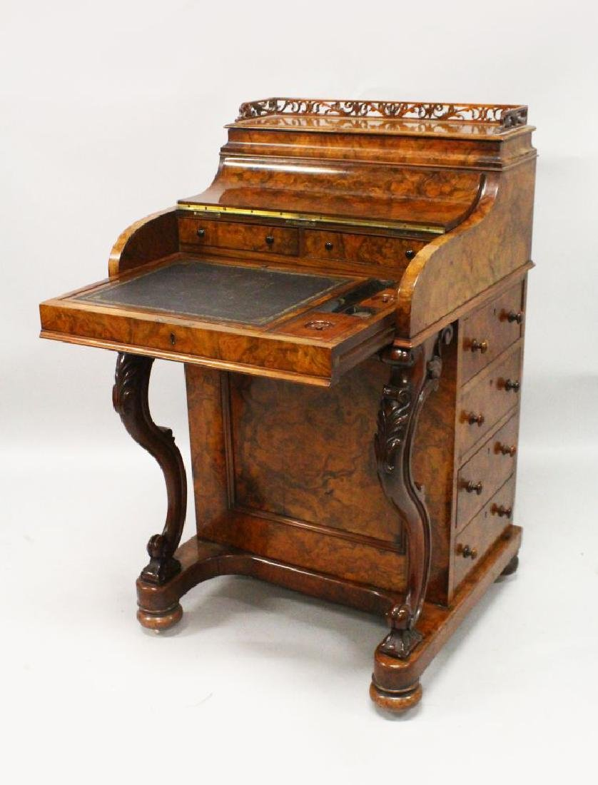 A GOOD 19TH CENTURY FIGURED WALNUT PIANO TOP DAVENPORT