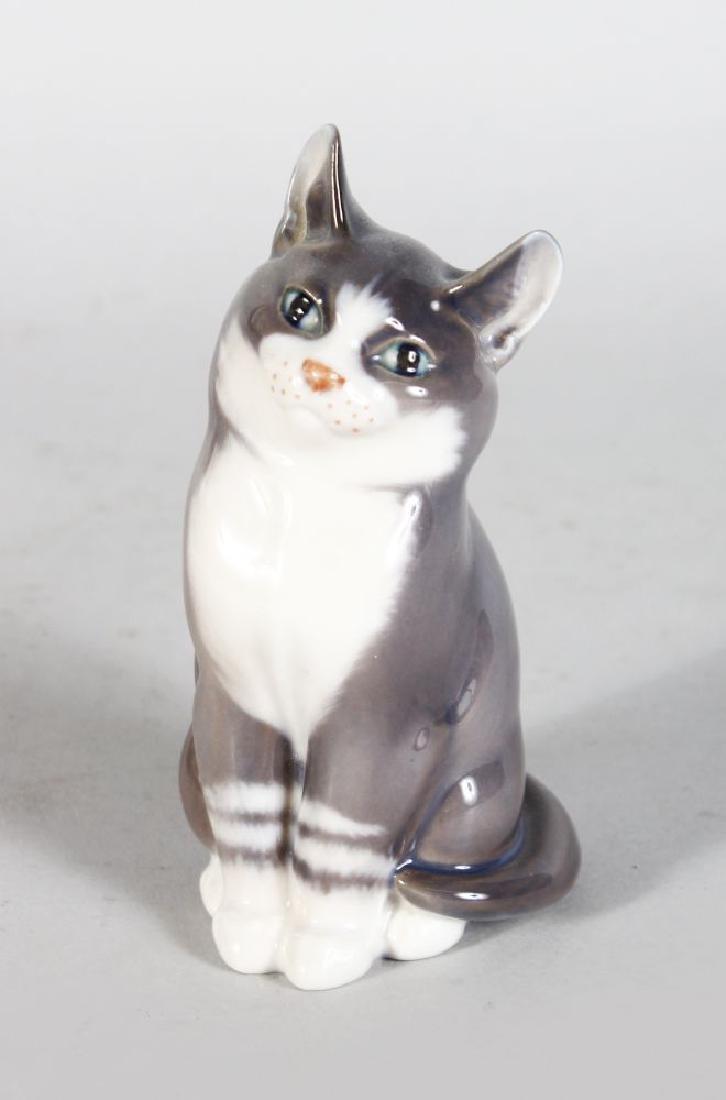 A ROYAL COPENHAGEN SEATED CAT No: 1803