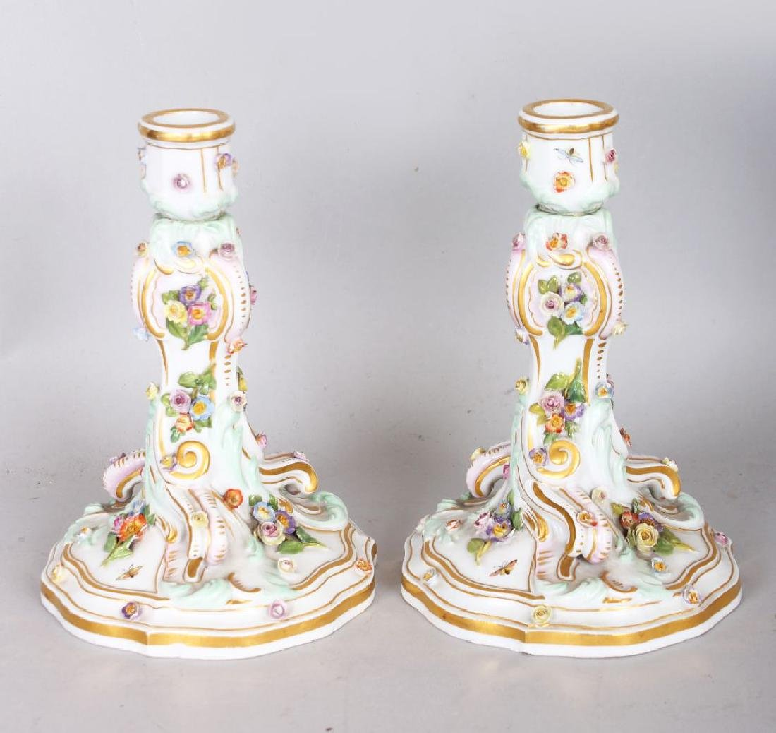A GOOD PAIR OF 19TH CENTURY MEISSEN FLOWER ENCRUSTED
