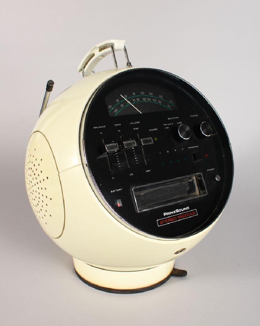 A PRINZ SOUND RETRO STEREO RADIO