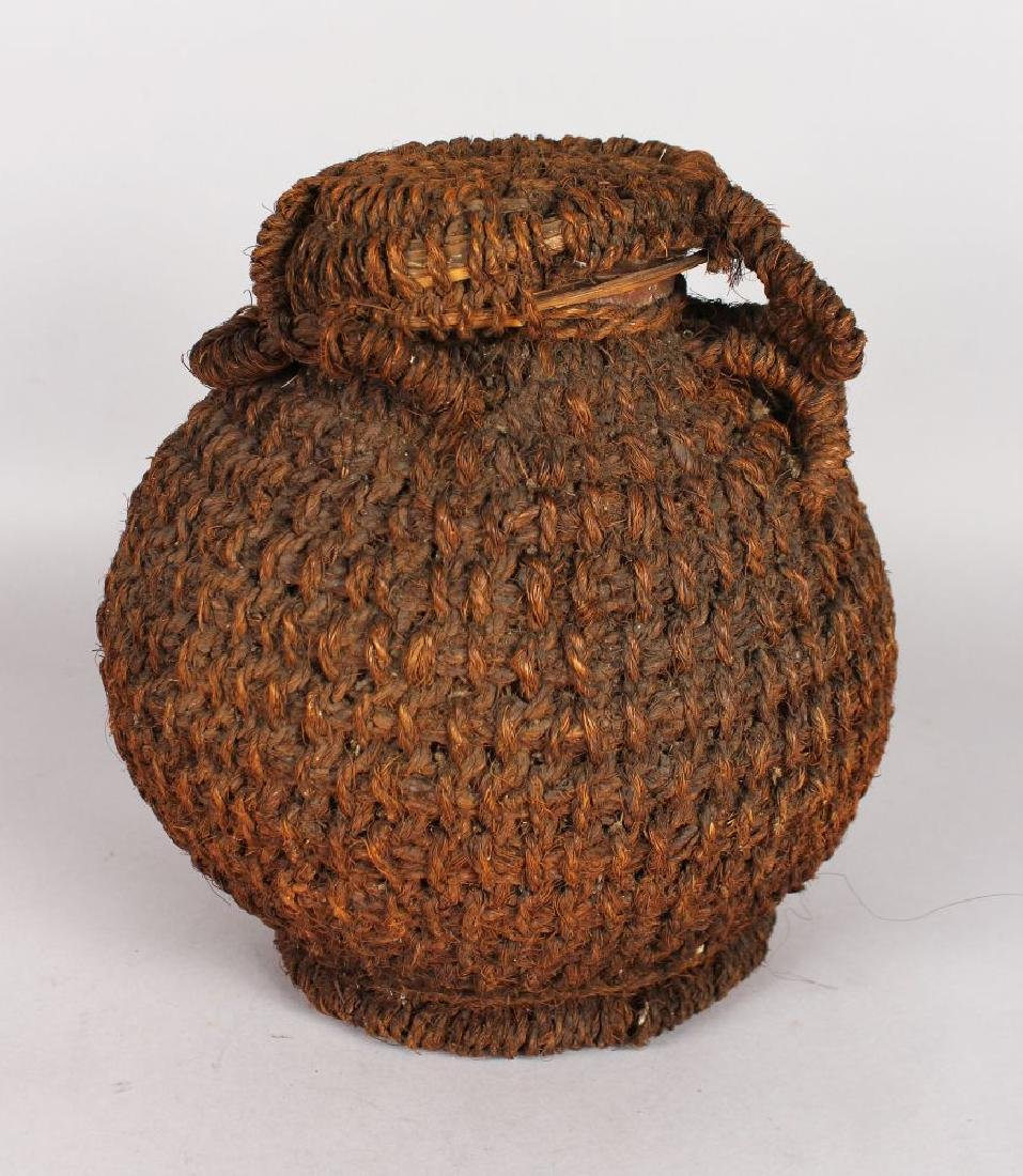 A POLYNESIAN POT, POSSIBLY FIJIAN, 19TH/20TH CENTURY.