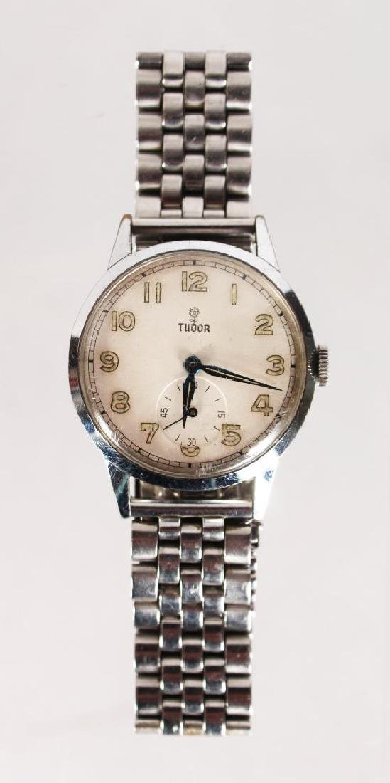 A TUDOR ROLEX STAINLESS STEEL WATCH, with bracelet