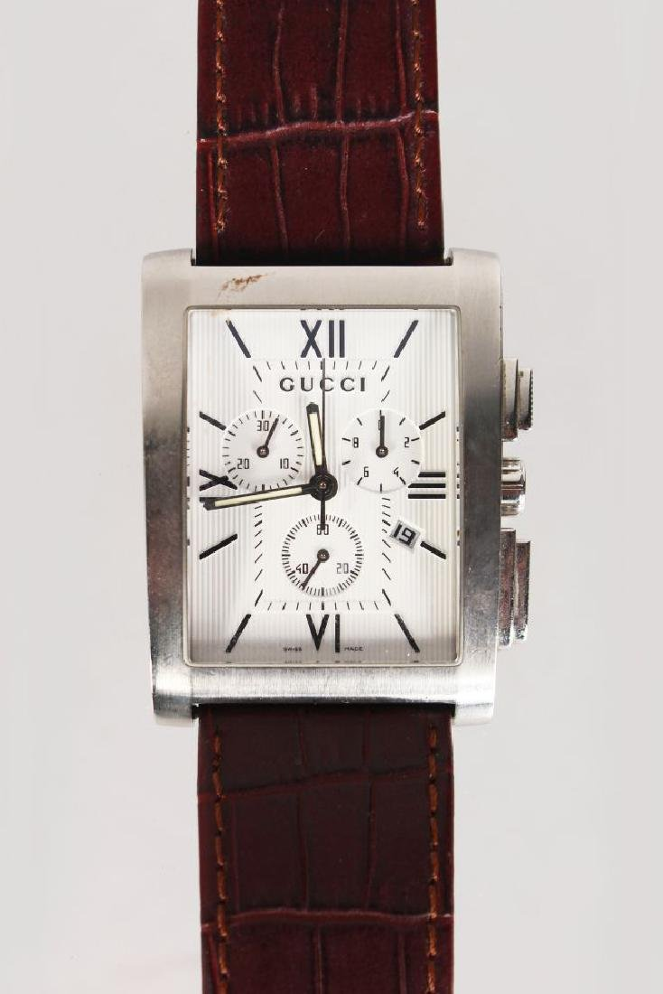 A GUCCI STAINLESS STEEL WRIST WATCH No: 11166398, with