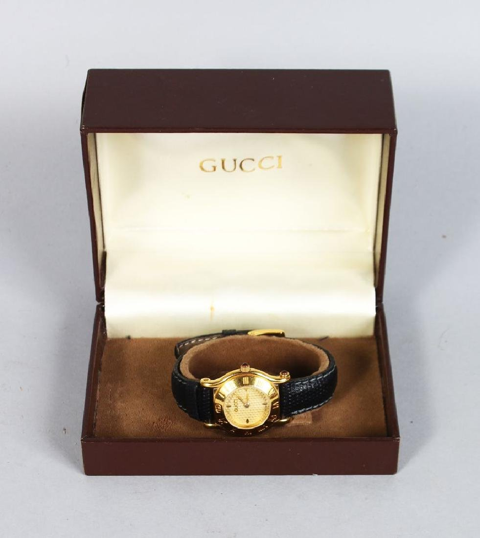 GUCCI, ladies watch with leather strap and original box