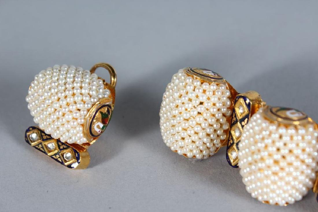 A SUBERB SET OF 18ct GOLD SEED PEARL AND ENAMEL - 2