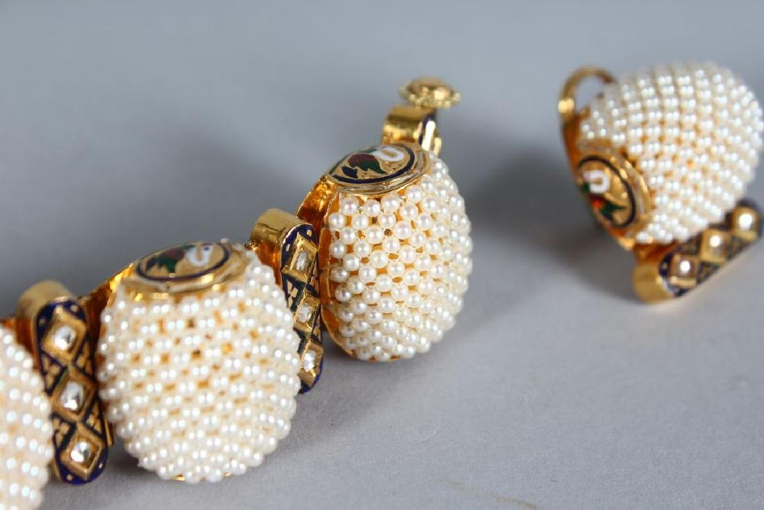 A SUBERB SET OF 18ct GOLD SEED PEARL AND ENAMEL - 3