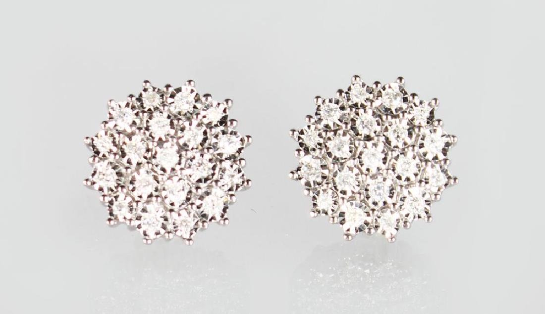 A GOOD PAIR OF 9ct GOLD DIAMOND CLUSTER EARRINGS