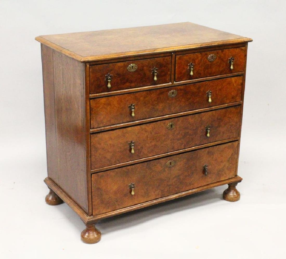 AN 18TH CENTURY WALNUT CHEST OF DRAWERS, with quarter
