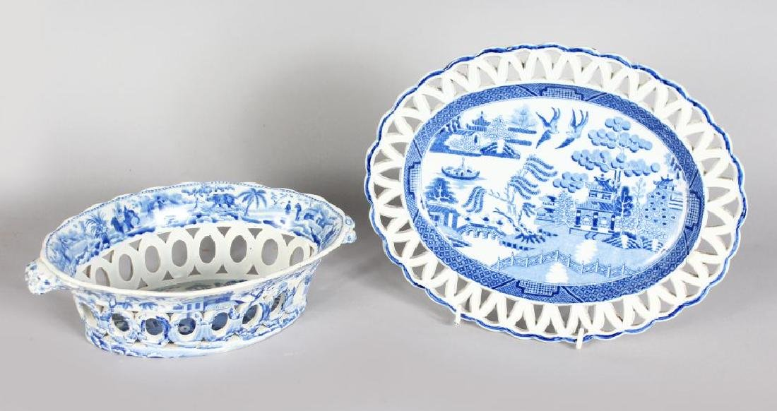 A SPODE BLUE AND WHITE PIERCED OVAL CHESTNUT BASKET AND