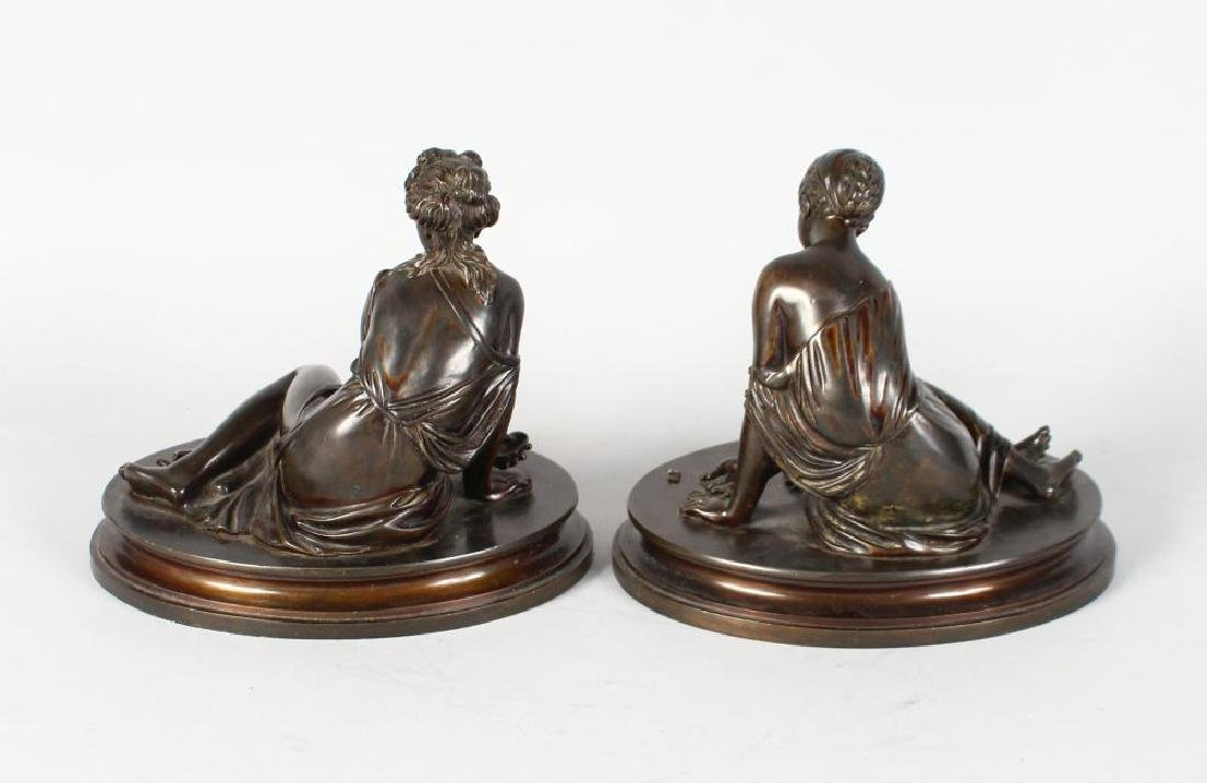 A VERY GOOD PAIR OF BRONZE CLASSICAL YOUNG LADY - 2