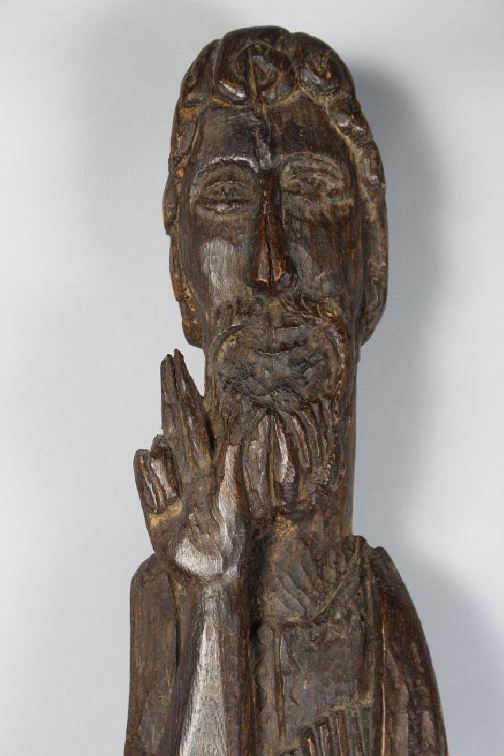 A LARGE EARLY CARVED WOOD SLENDER FIGURE OF A SAINT. - 2