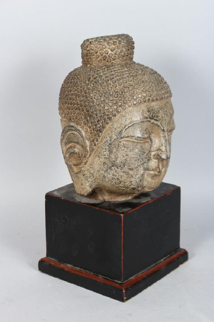 A CAST METAL HEAD OF A BUDDHA, 20TH CENTURY, on a - 2