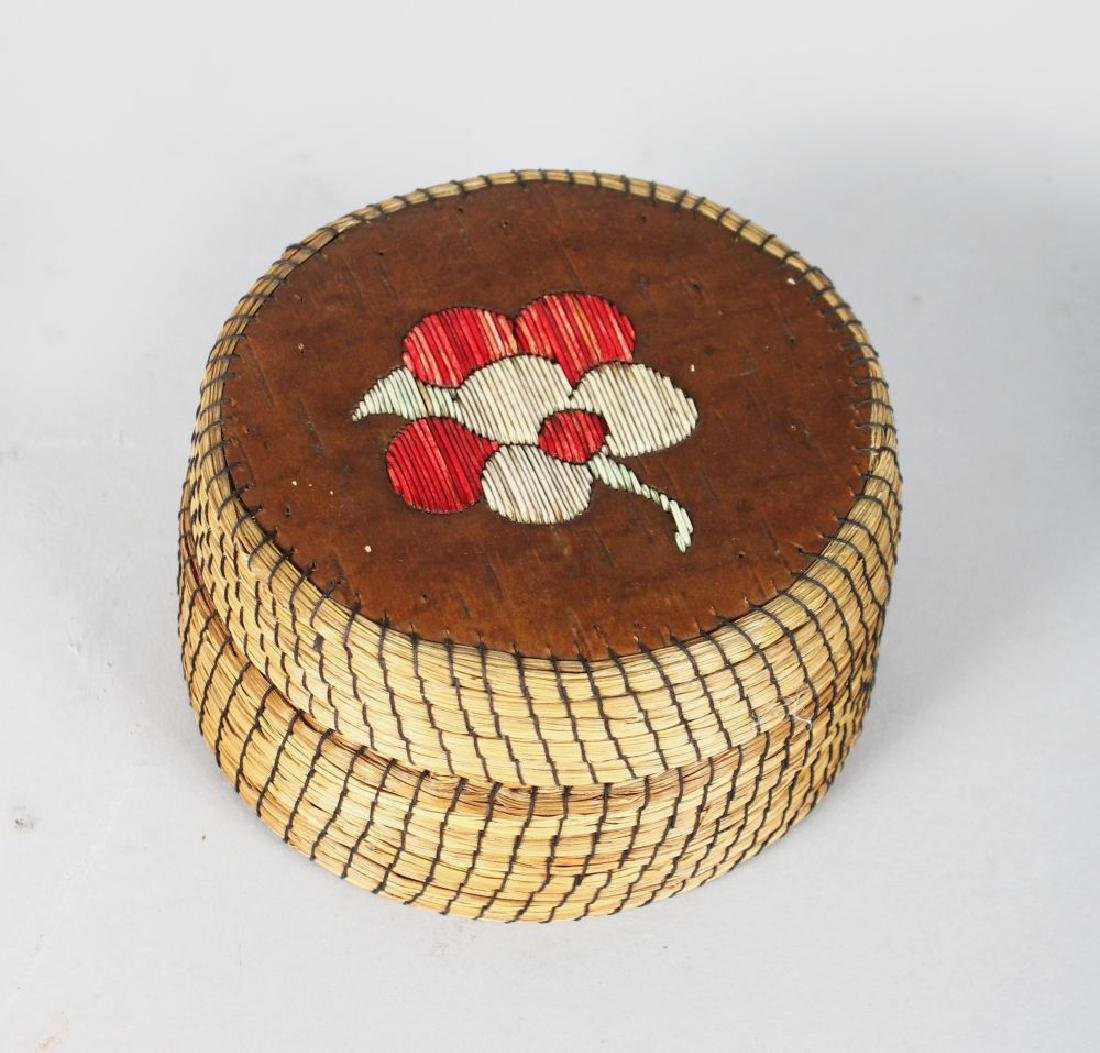 A RED INDIAN SILVER BIRCH AND QUILLWORK CIRCULAR BOX