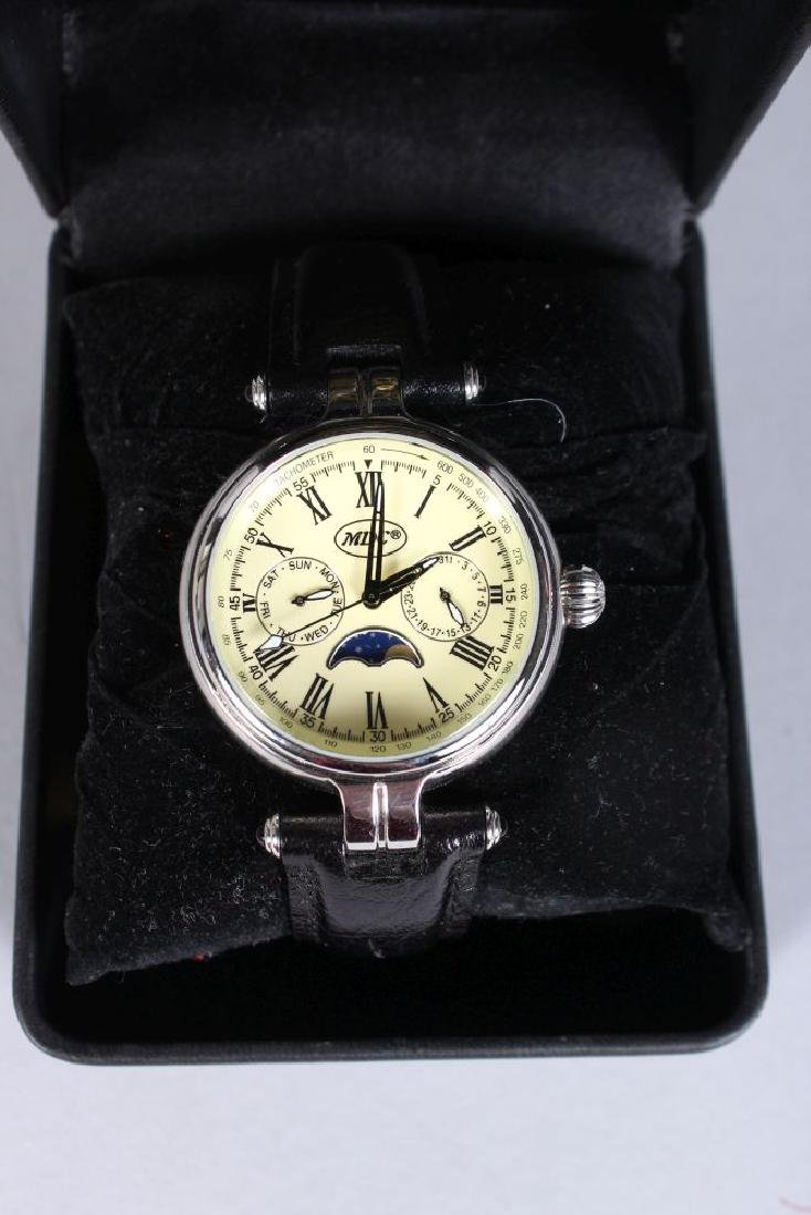 A BROOKS & BENTLEY WATCH in a presentation box. - 2