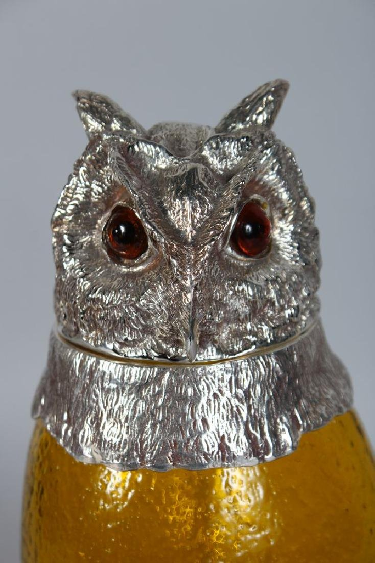 A GOOD LARGE OWL CLARET JUG with plated head and feet. - 2