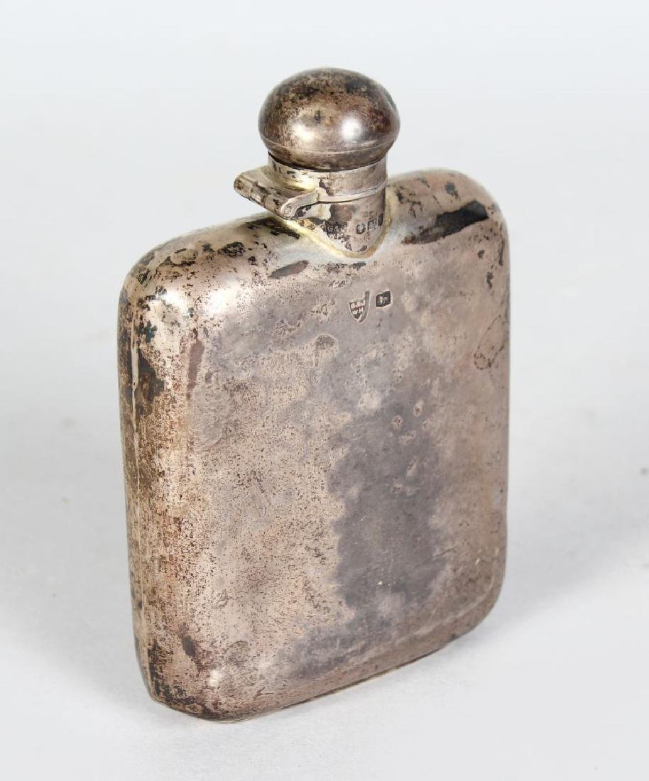 A WHISKY FLASK.  Sheffield 1933.  Makers: G. & J. WH.