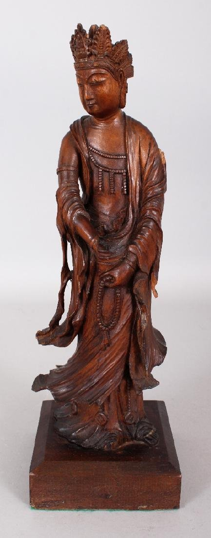 A GOOD QUALITY 18TH/19TH CENTURY CARVED WOOD FIGURE OF