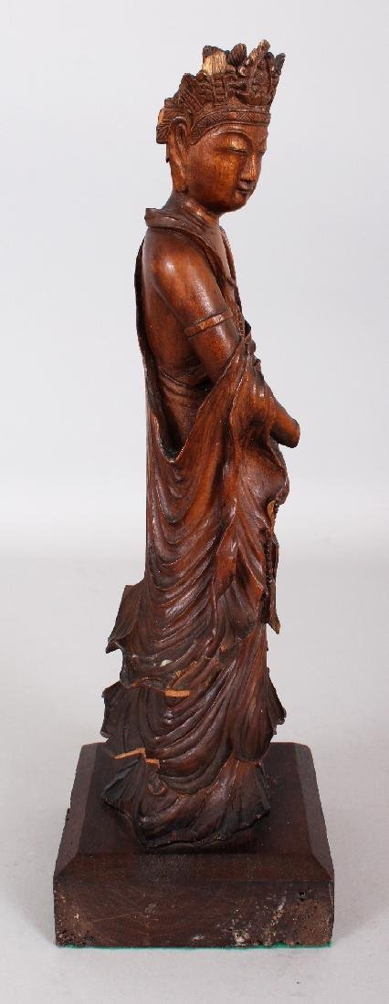 A GOOD QUALITY 18TH/19TH CENTURY CARVED WOOD FIGURE OF - 2