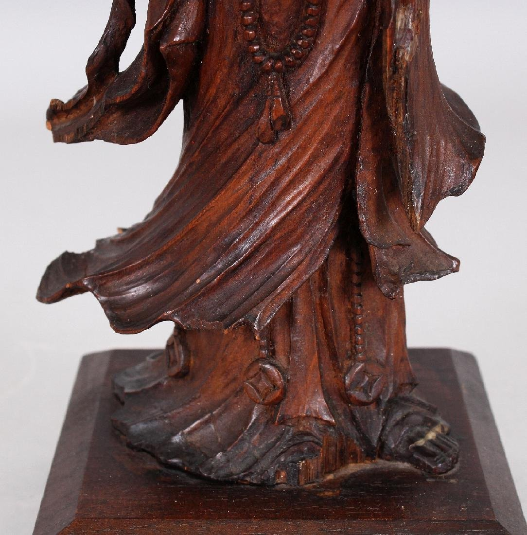 A GOOD QUALITY 18TH/19TH CENTURY CARVED WOOD FIGURE OF - 6