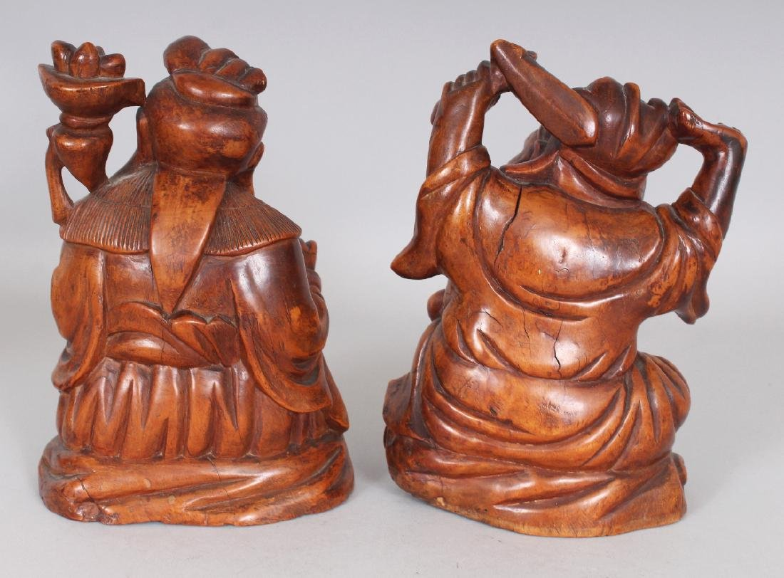A PAIR OF GOOD QUALITY 19TH CENTURY CHINESE CARVED WOOD - 3