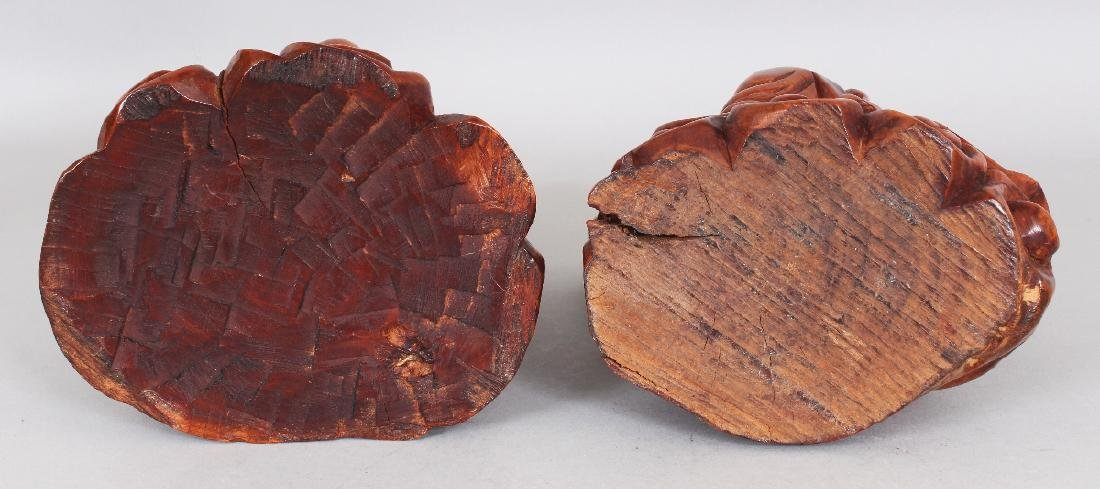 A PAIR OF GOOD QUALITY 19TH CENTURY CHINESE CARVED WOOD - 7