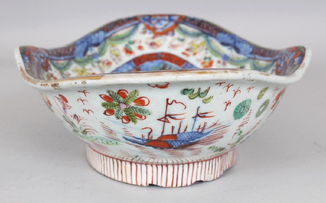 AN 18TH CENTURY CHINESE CLOBBERED SHAPED OVAL PORCELAIN - 5