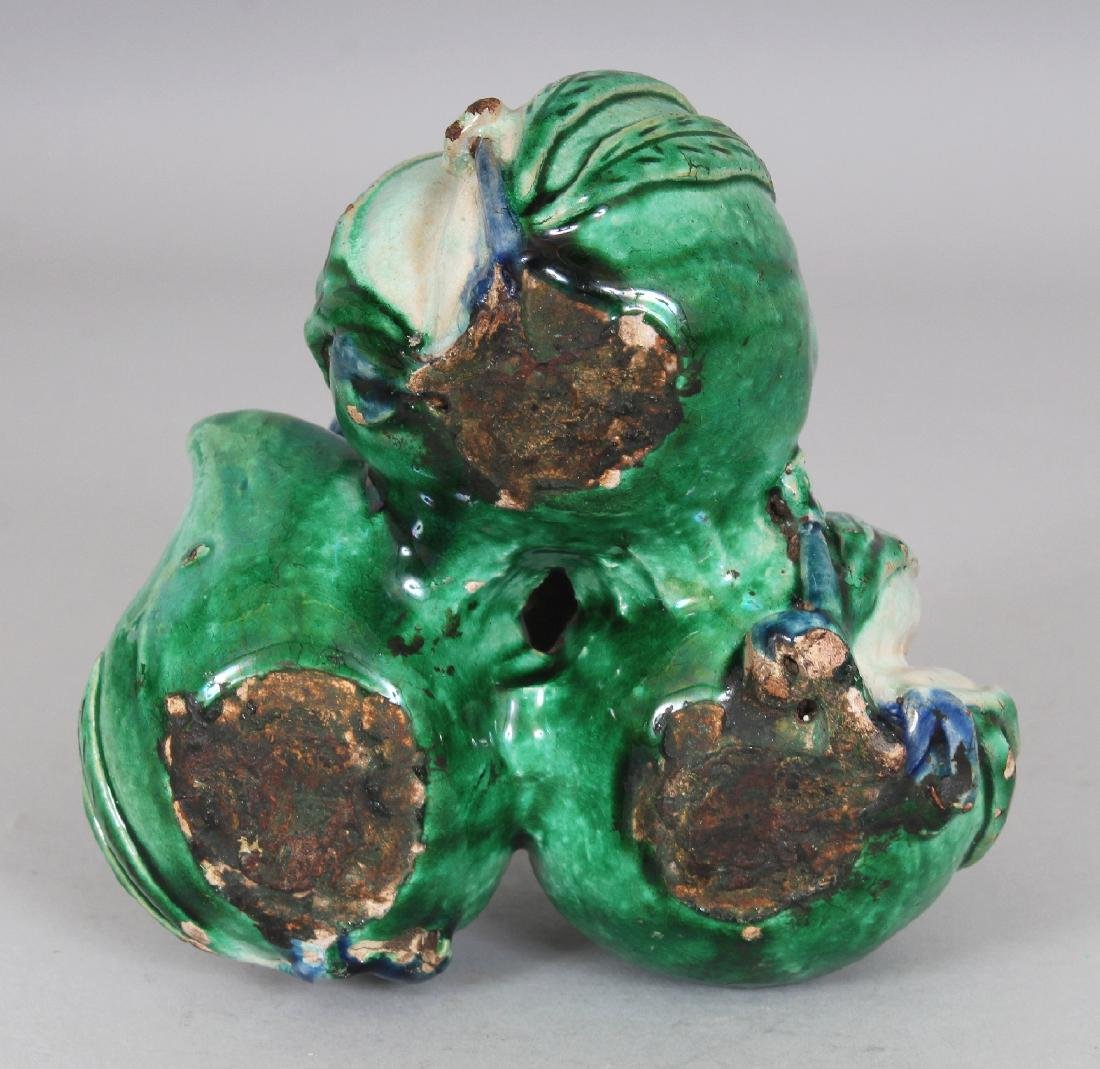 AN UNUSUAL CHINESE FAMILLE VERTE CERAMIC GROUP OF THREE - 4