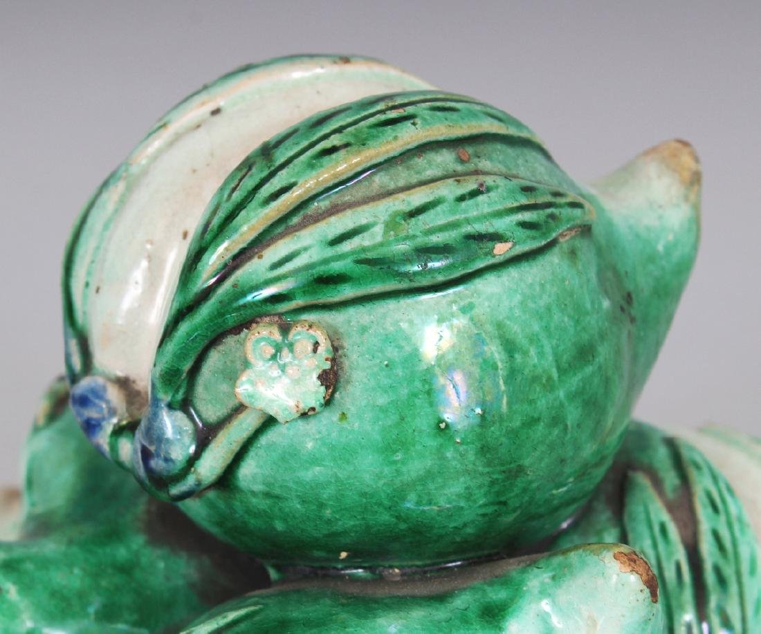 AN UNUSUAL CHINESE FAMILLE VERTE CERAMIC GROUP OF THREE - 5