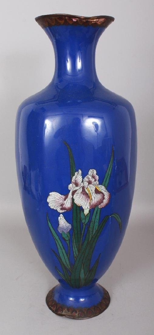 A LARGE JAPANESE MEIJI PERIOD BLUE GROUND CLOISONNE - 3