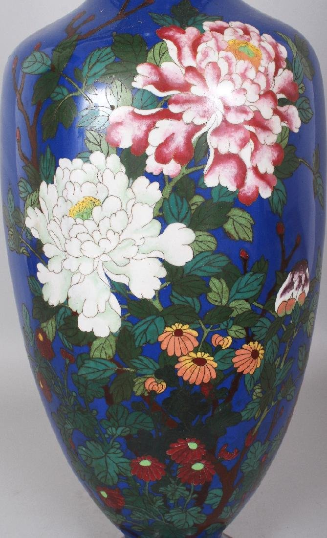 A LARGE JAPANESE MEIJI PERIOD BLUE GROUND CLOISONNE - 5