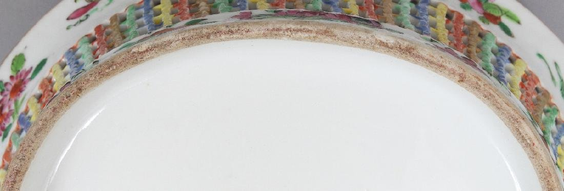A 19TH CENTURY CHINESE CANTON OVAL PORCELAIN BASKET, - 7