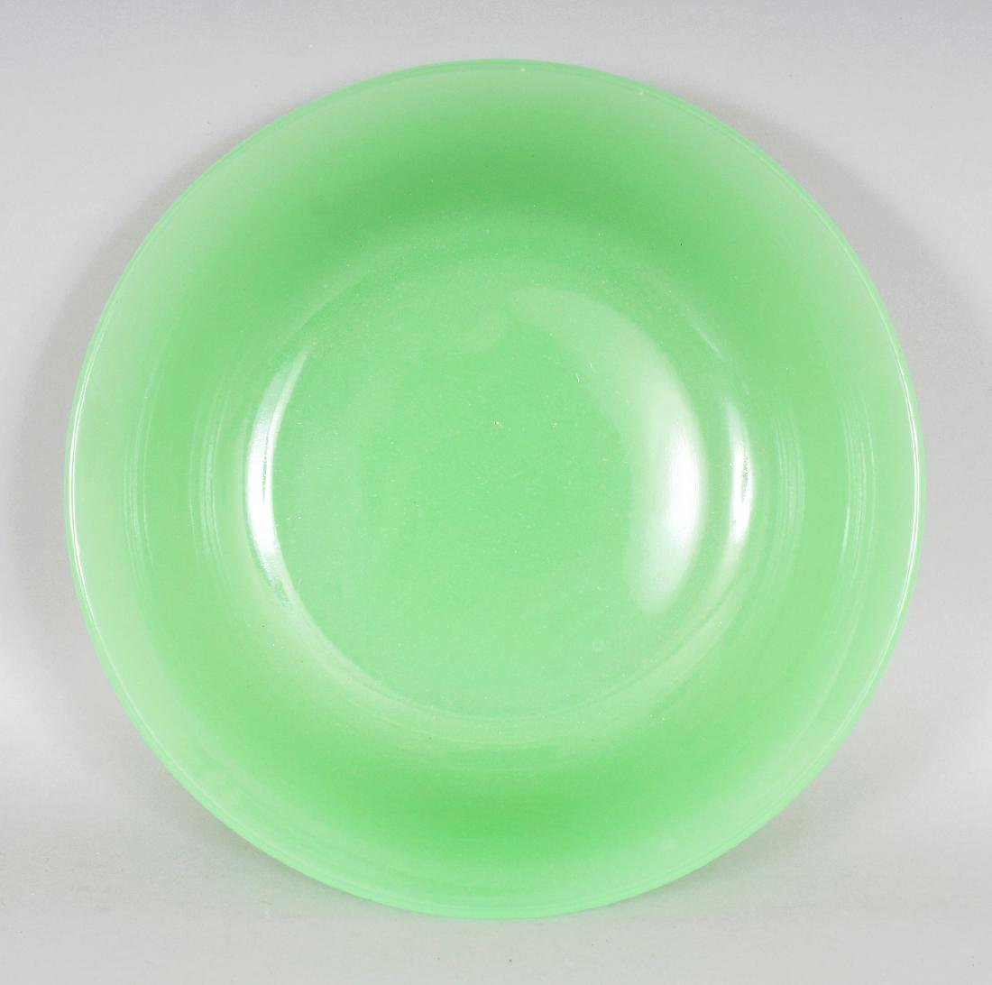 A 19TH/20TH CENTURY CHINESE LIME GREEN BEIJING GLASS - 2