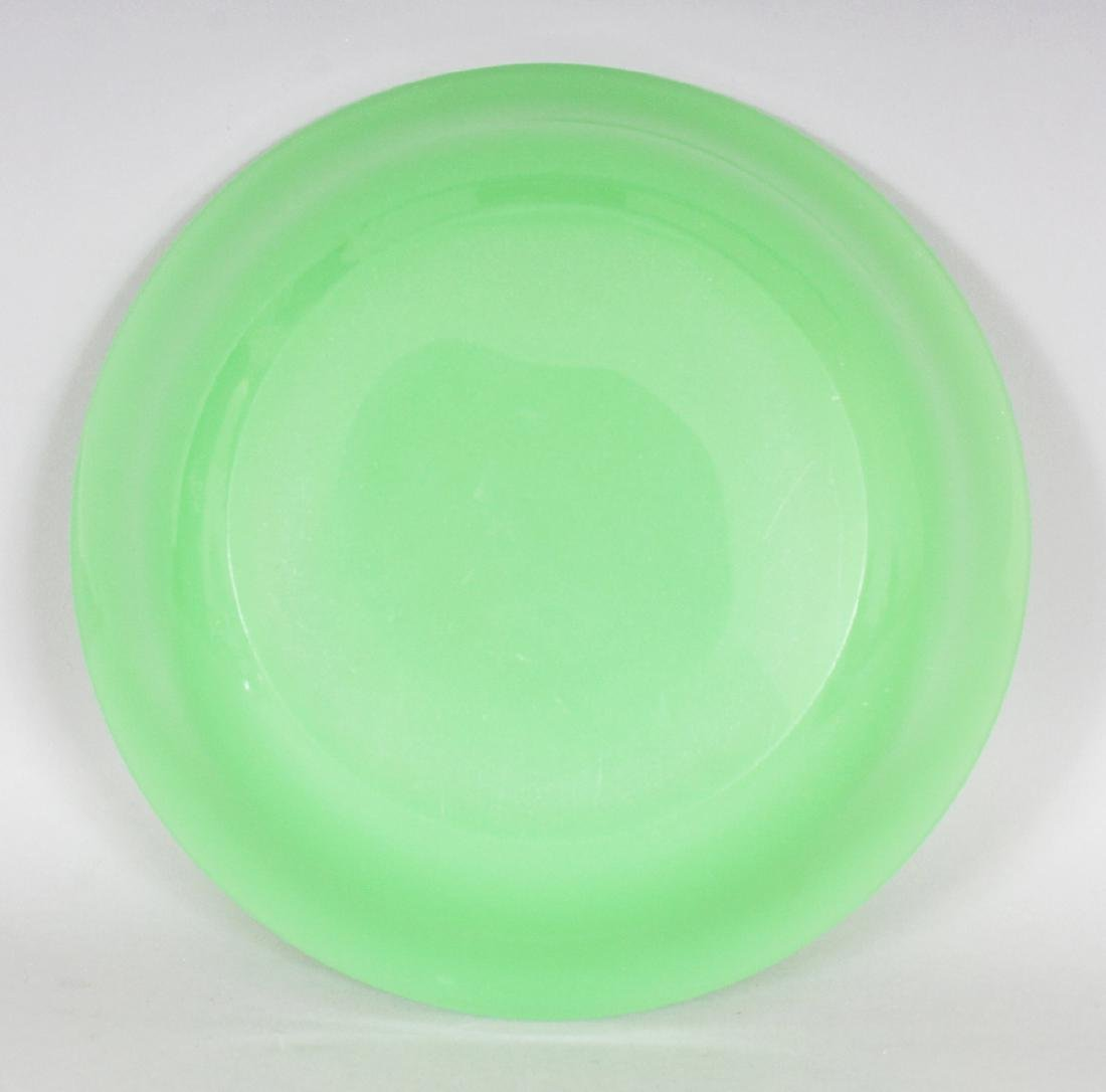 A 19TH/20TH CENTURY CHINESE LIME GREEN BEIJING GLASS - 3