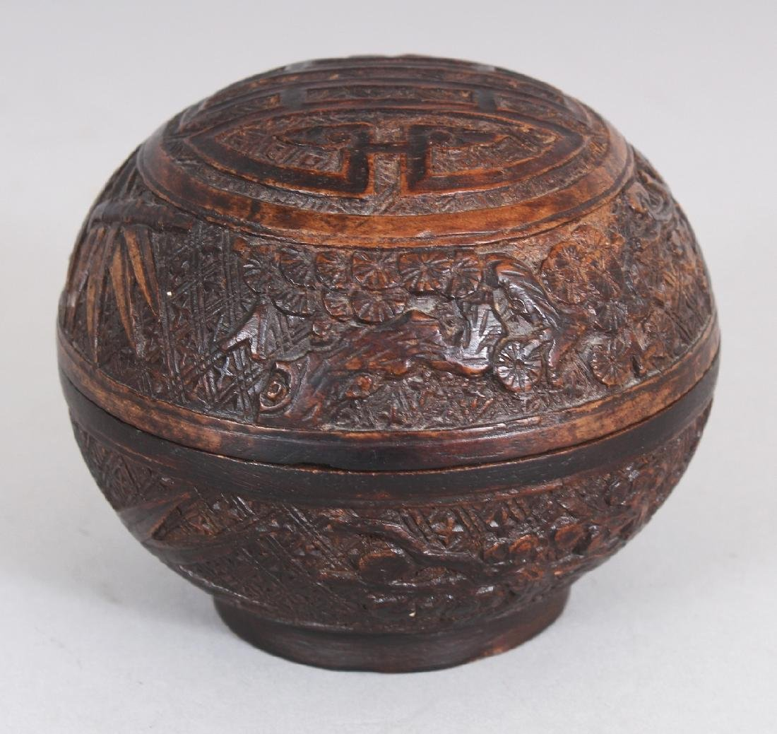A GOOD QUALITY 19TH CENTURY CHINESE CARVED WOOD
